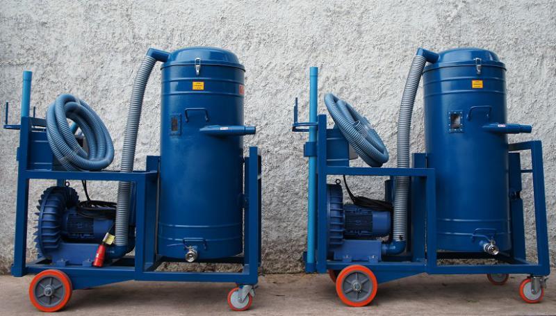 Aspirador industrial de água e pó